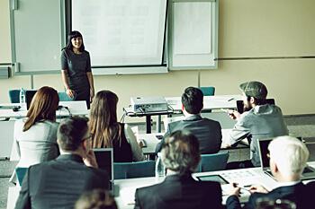 Eventmanagement berufsbegleitend studieren infos for Berufsbegleitendes studium